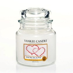 YANKEE CANDLE, Duftkerze Snow in Love, medium Jar (411g)_38240